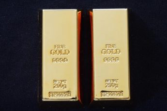 investing in gold is good or bad